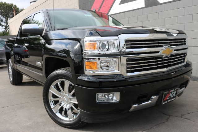 Pre Owned 2014 Chevrolet Silverado 1500 4WD High Country Crew Cab