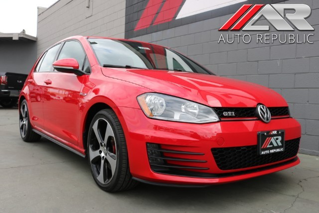 Pre Owned 2017 Volkswagen Golf Gti S