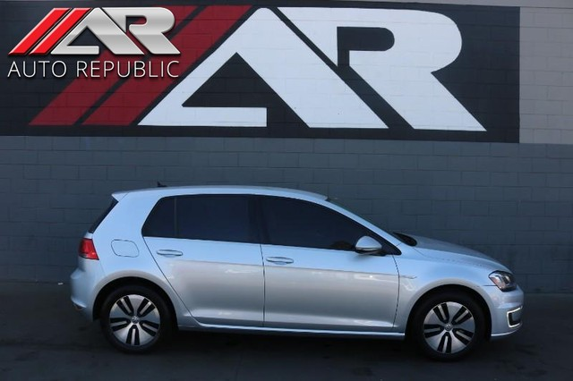 Pre-Owned 2015 Volkswagen E Golf SEL Premium