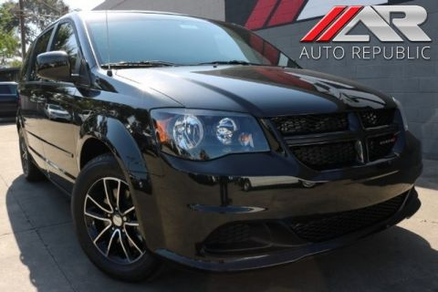 Pre-Owned 2017 Dodge Grand Caravan SE Plus