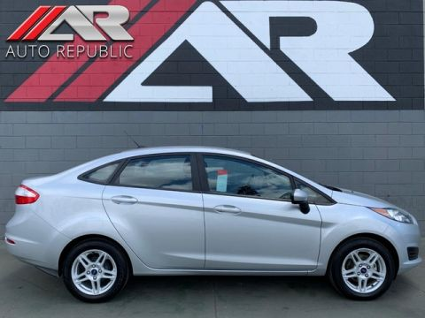 Pre-Owned 2018 Ford Fiesta Sedan SE