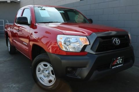 Pre-Owned 2015 Toyota Tacoma 2WD Access Cab